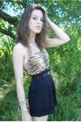 Beige-victorias-secret-top-blue-escada-shorts-black-vintage-belt-black-unk