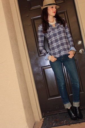 plaid American Eagle shirt - black Zara boots - Levis jeans
