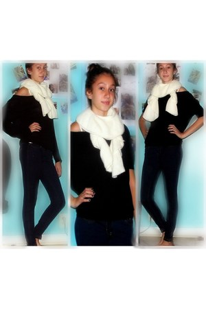 ivory scarf - navy jeggings Hollister Co jeans - black Forever21 shirt