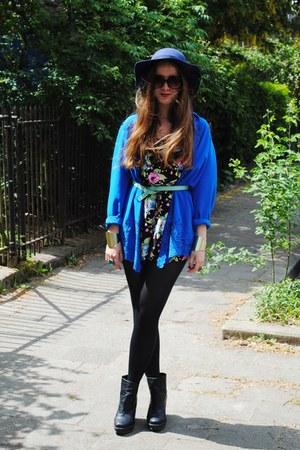 black flowers H&M jumper - black Monki wedges - blue thrifted vintage blouse
