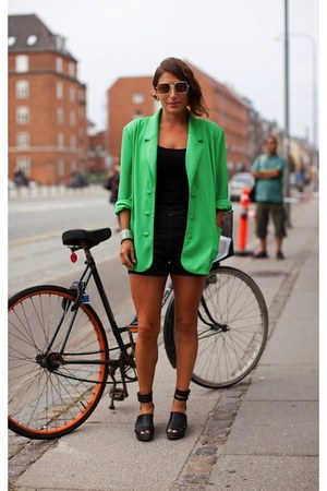 black no brand top - green oversized H&M shirt - black No Brand shorts