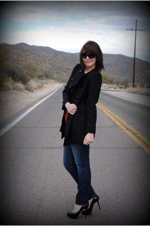 navy Levis jeans - black Zara jacket - black Fendi sunglasses - black Zara heels