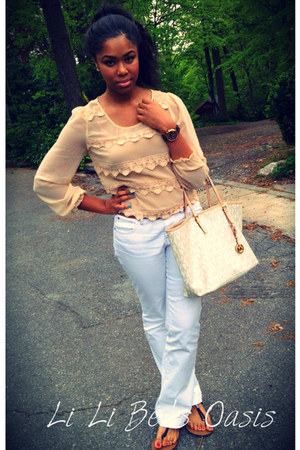 white jeans Gap pants - cream tote Michael Kors bag