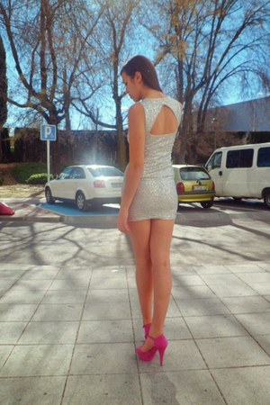 hot pink Marypaz shoes - white H&M dress