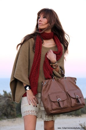 Stradivarius sweater - day&day bag - Sfera skirt