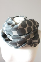 Heather-gray-crosswoodstore-scarf