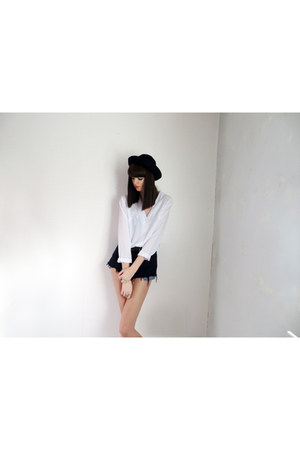white Lily & Lace Vintage blouse - navy wool bowler hat thrifted hat