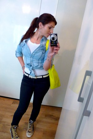 blouse - jeans - bag - belt - sneakers