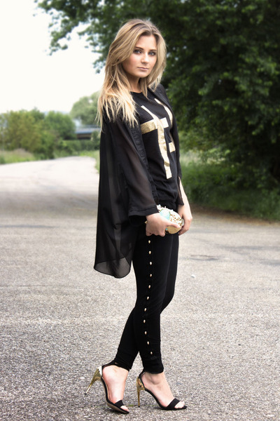gold H&M Anna Dello Russo bag - black no name leggings