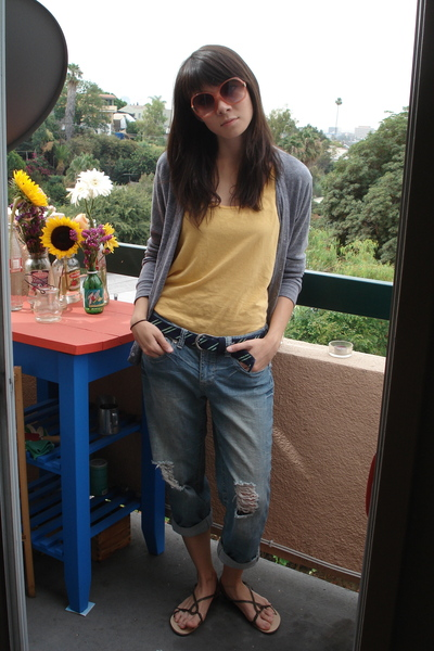 delias jeans - Urban Outfitters shoes - American Eagle belt - forever 21 shirt -