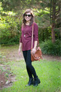 Black-thrifted-boots-maroon-sweater-black-forever-21-leggings