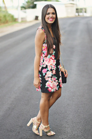 black floral print Forever 21 dress - navy quilted bag
