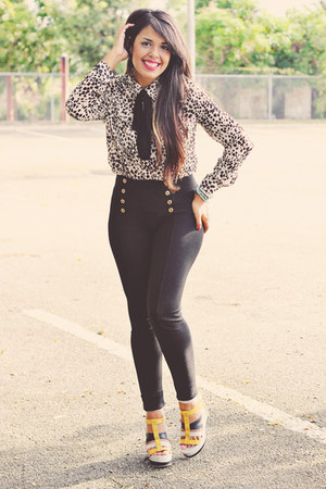 black high waisted Zara pants - beige animal print Forever 21 blouse