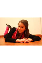 pink Amisu socks - pink Terranova vest - black Amisu blouse - black Zara legging
