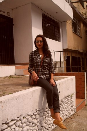 Tennis shoes - Rosario shirt - Studio 54 pants - tissot watch