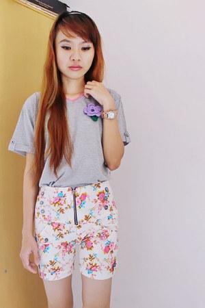 off white high-waist shorts - silver v-neck t-shirt - light pink watch