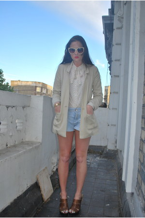 old H&M blazer - bow neck thrifted vintage shirt - favorite Zara shorts - chain