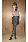 Red-vintage-blouse-black-forever-21-skirt-black-tights-black-shoes-gold