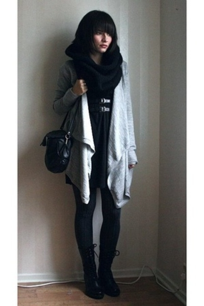 black vagabond shoes - gray Samse  Samse sweater - gray H&M tights