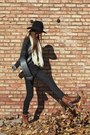 Tawny-lucky-brand-boots-black-urban-outfitters-hat