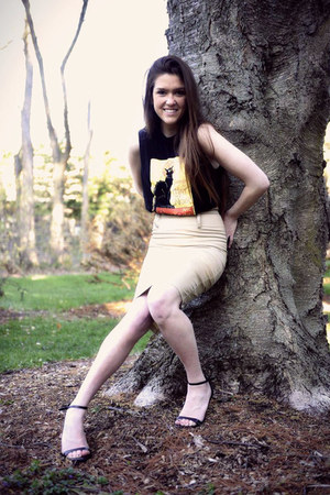 black vintage t-shirt - off white Anne Taylor skirt - black Zara heels