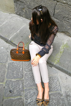 dark brown Louis Vuitton bag - beige Zara pants - burnt orange kate spade loafer