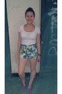 Turquoise-blue-floral-print-river-island-shorts-hot-pink-studded-h-m-pumps