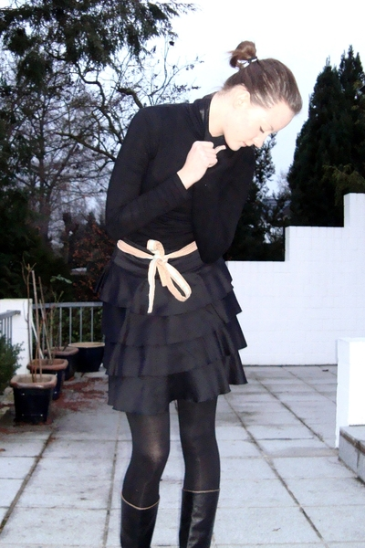 H&M shirt - H&M skirt