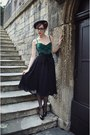 Green-corset-vintage-top-black-tassles-vintage-belt-black-midi-zara-skirt