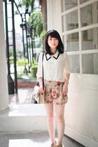 beige floral shorts - tan Mango bag - off white blouse