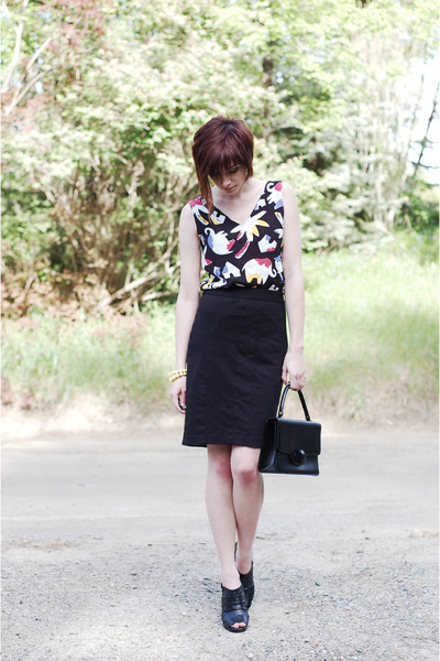 black unknown skirt - black vintage top - black Madden Girl shoes - black vintag