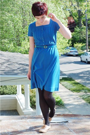 blue Lesley Fay Petite dress - tan oxford Steve Madden shoes