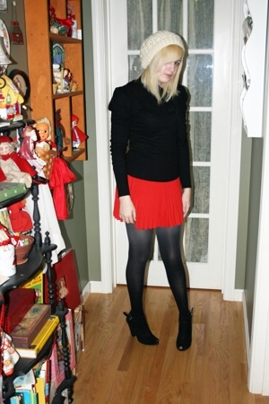 thrifted skirt - H&M sweater - Target tights - forever 21 hat - Nine West shoes