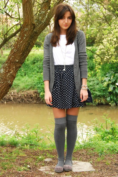 gray Calzedonia socks - gray Marypaz shoes - blue Zara skirt - white H&M t-shirt