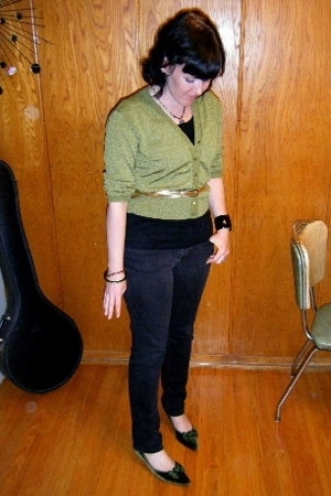 thrifted sweater - H&M t-shirt - Target jeans - vintage shoes - Betsey Johnson n
