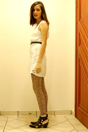 animal print leggings - open side boot Espaço Fashion boots - Zara dress