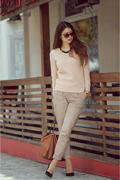peach Pull & Bear sweater - brown Parfois bag - brown Forever 21 sunglasses
