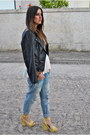 Light-blue-boyfriend-jeans-light-jeans-black-leather-jacket-black-jacket