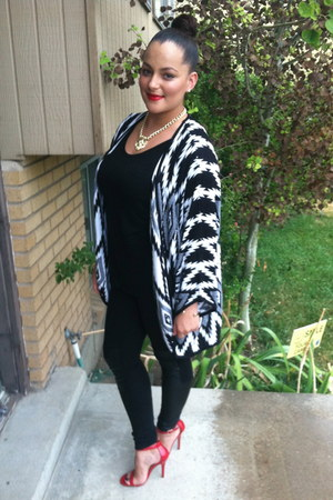 black H&M leggings - black Forever 21 cardigan - red Charlotte Russe heels