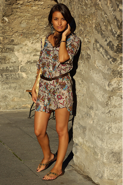 brown Mango belt - floral printed Zara dress - snake printed H&M bag