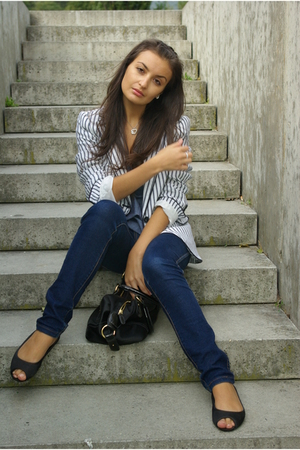 blue Cubus jeans - black H&M shoes - white Zara blazer