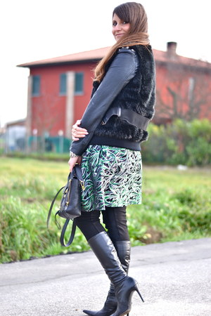 green & other stories skirt - black 31 Phillip Lim bag