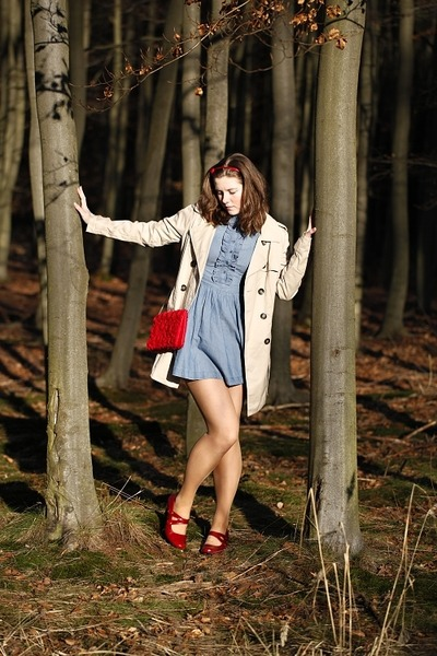 red shoes - sky blue denim H&M dress - beige trench Terranova coat