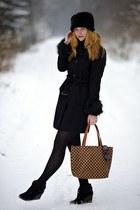 black Forever 21 coat - black faux fur New Yorker hat - Carpisa bag - wedges