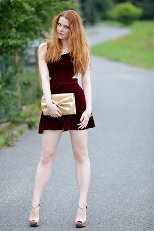 crimson Missguided dress - gold H&M purse