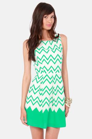 green LuLus dress