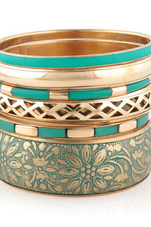 teal LuLus bracelet
