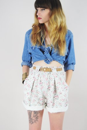 cream vintage shorts - periwinkle denim top Ralph Lauren blouse