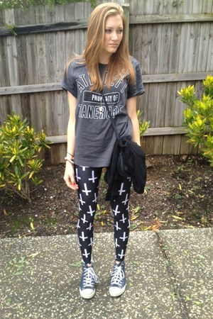gray thrift shirt - black BlackMilk leggings - blue Converse sneakers
