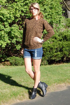 Forever 21 boots - vintage sweater - Forever 21 shorts - vintage blouse